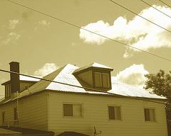 2 ième étage électrique /  Electric second floor - Dans ma ville / Hometown.  8 juin 2010 - Sepia