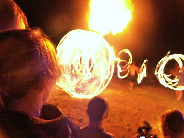 Feuershow im Keltendorf Bundenbach