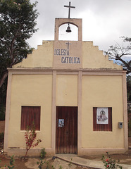 Iglesia católica  - Sans fils / Sin hilos.