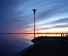 Coucher de soleil / Sunset - Ville de Lery, Québec. CANADA / Recadrage