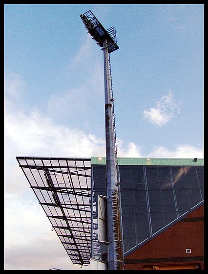 Mittlerweile historische Aufnahme der neuen Südtribüne vom Millerntorstadion