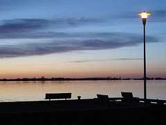 Coucher de soleil / Sunset   - Ville de Lery, Québec. CANADA - 25-04-2010  - Recadrage original
