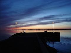 Coucher de soleil / Sunset  - Ville de Lery, Québec. CANADA / 25 avril 2010 - Photo originale