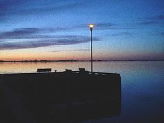 Coucher de soleil / Sunset   - Ville de Lery, Québec. CANADA - 25-04-2010 - Contours encrés aux couleurs ravivées