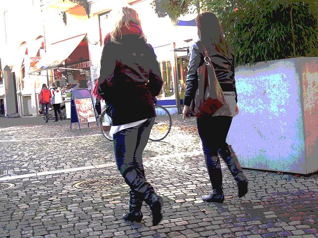 Specialbokhandle booted teenagers duo /  Séduisantes adolescentes suédoises en bottes sexy  - Ängelholm / Suède - Sweden.  23-10-2008 - Postérisation