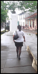 Chubby cuban girl in high heels / Cubaine bien en chair en talons hauts - Recadrage