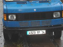 Blue truck / Camion bleu 4929 YP 14