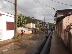 Rainy tags cuban girl / Cubaine sexy parmi les graffitis - Originale