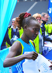 Mary Keitany new WR 25km