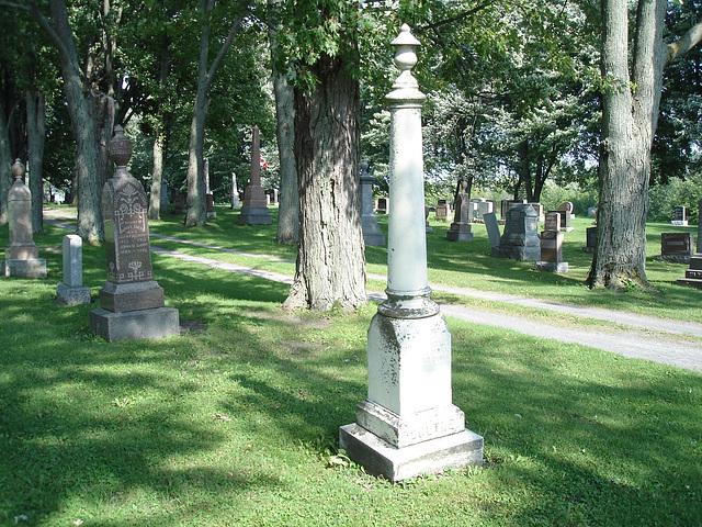 Protestant cemetery  / Cimetière protestant - Huntington Qc. CANADA . 30-08-2010