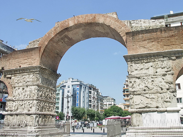 PICT17826ac Thessaloniki Arch of Galerius 298 A.D