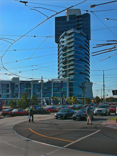 Overhead contact lines for the streetcars