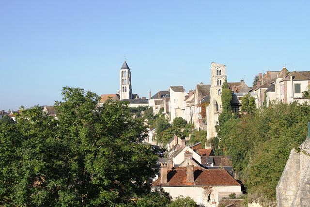 Château-Landon côté ramparts