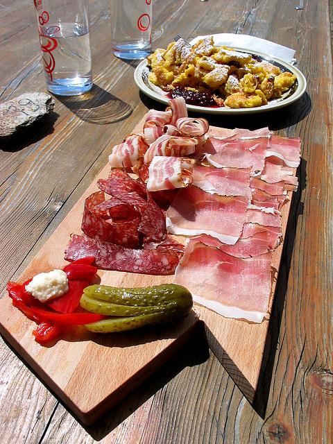 Vesper auf 2670 m Höhe - snack in the mountain - petit repas (PIP)