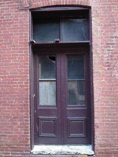 Reflet privé et camouflé de moi-même / Blurry Leopold reflection / Pocomoke, Maryland. USA - 18 juillet 2010.
