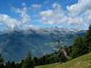 Blick vom Aufstieg zur Spitzigen Lun auf die gegenüberliegenden Berge