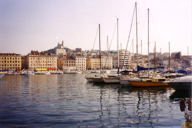 1998-08-09 04 en la malnova haveno de Marsejlo