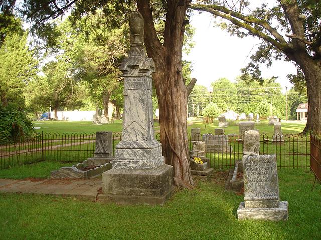 Le cimetière de Bastrop / Bastrop's cemetery - Louisiane, USA / 8 juillet 2010.