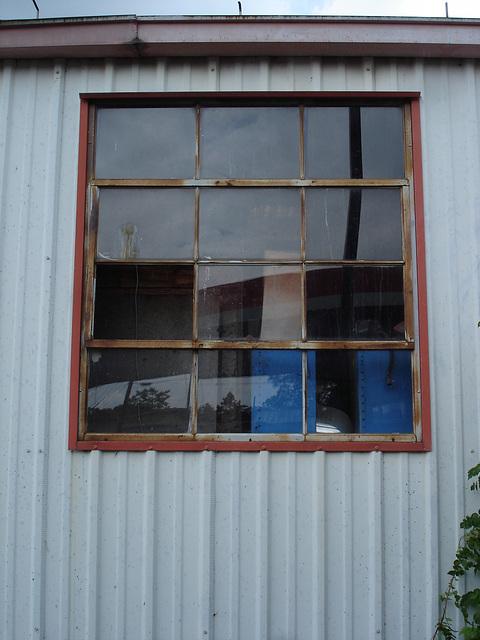 Auto service window / Fenêtre de garage de service pour autos - Farmerville, Louisiane. USA - 7 juillet 2010
