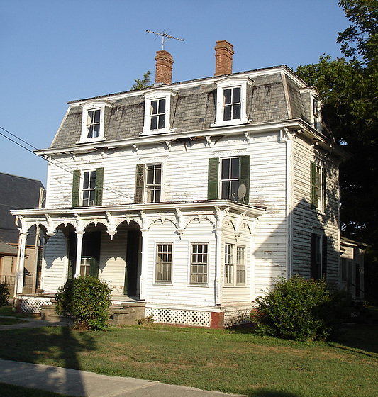 Maison ancienne / Old house - Pocomoke, Maryland. USA - 18 juillet 2010 - Recadrage