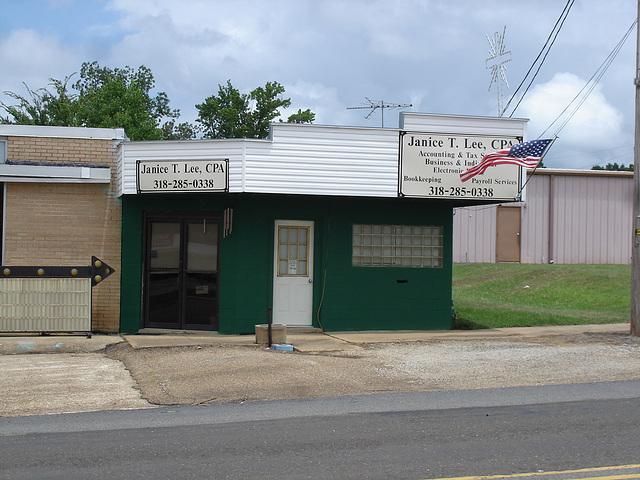Janice T. Lee,  CPA / Bernice, Louisiana. USA - 7 juillet 2010