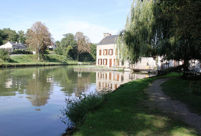 Canal du Loing entre Cepoy et Buges