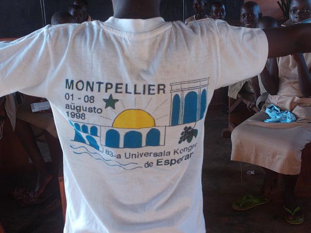 T-ĉemizo pri UK en Montpellier
