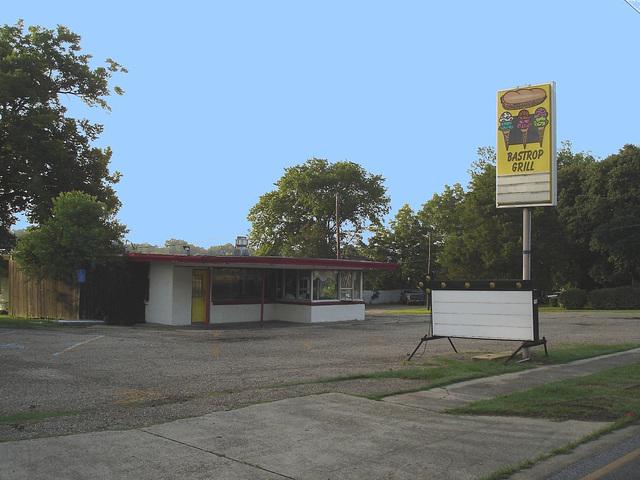 Bastrup grill / Bastrop - Louisiane. USA /  08-07-2010 - Ciel bleu photofiltré