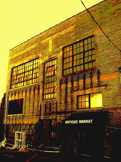 Antique market building / Marché d'antiquités - Bastrop - Louisiane. USA /  08-07-2010 /Sepia postérisé