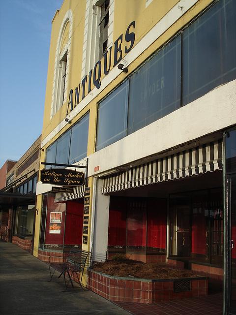 Antique market on the square / Bastrop - Louisiane. USA /  08-07-2010