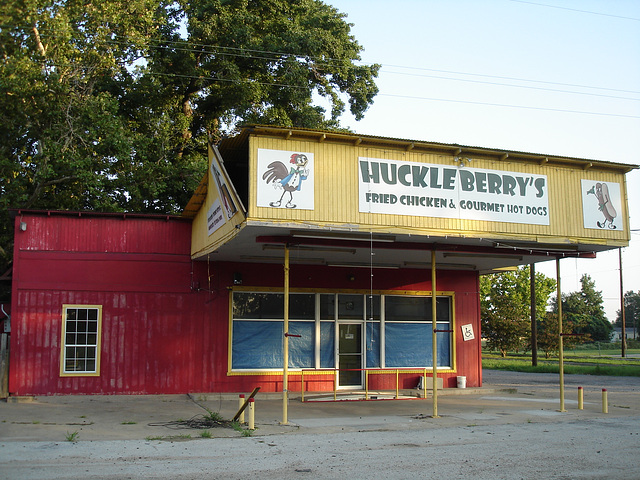 Huckle Berry's fried chicken & gourmet hot dogs / Jewett, Texas. USA - 6 juillet 2010.