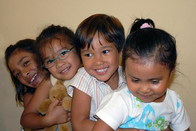 Suea Dao, Muh, Mirinda and Sophia