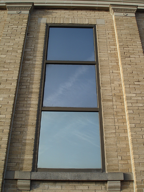 Bastrop national bank's window / Fenêtre bancaire - Bastrop, Louisiana. USA /  8 juillet 2010.