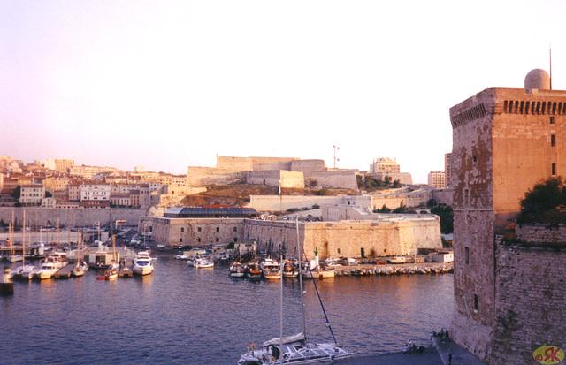 1998-08-09 21 vespero en la malnova haveno de Marsejlo