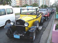 Taxi Ford 1927 - Varadero, CUBA. 6 février 2010