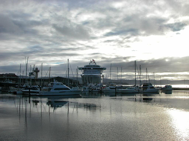 Hobart's Harbor in morning mood