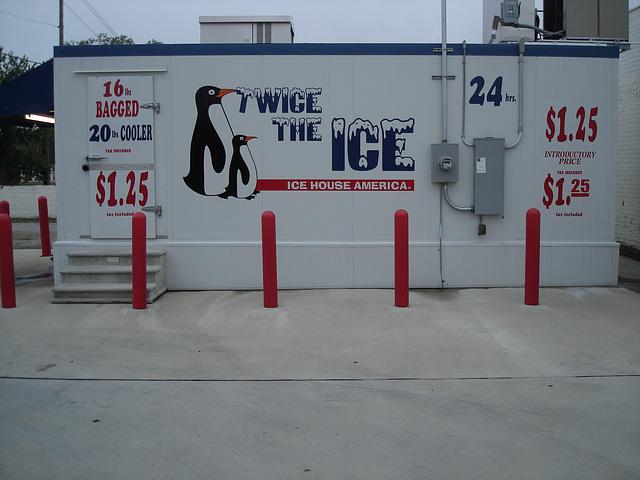 Twice the ice / Hamilton, Alabama. USA - 10 juillet 2010