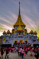 New built pagoda in Wat Traimit