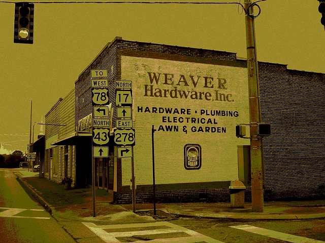 Weaver hardware, inc. / Hamilton, Alabama. USA - 10 juillet 2010 - Sepia assombri