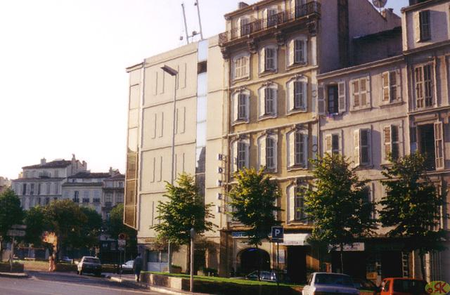 1998-08-10 28 en Marsejlo, mia hotelo