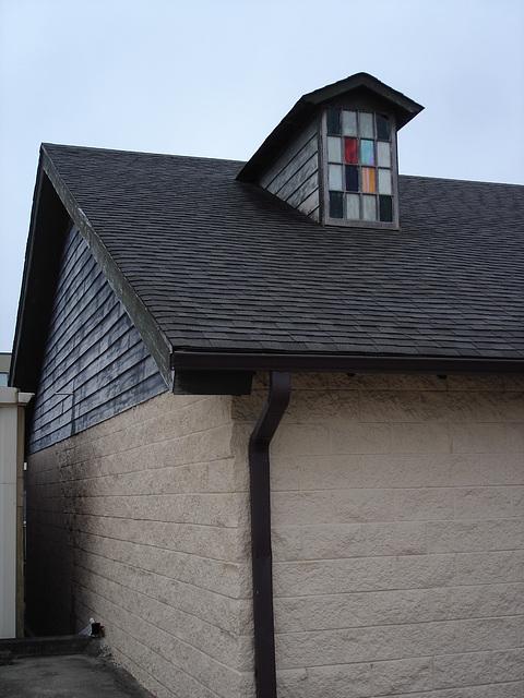 Vitre à carreaux colorés / Colorful window panes - Hamilton, Alabama. USA - 10 juillet 2010