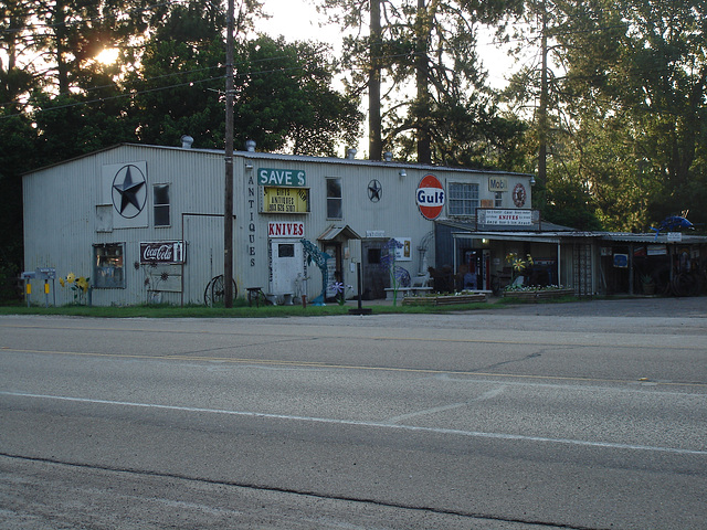 Antiquités texanes / Texan antiques - Jewett, Texas. USA - 6 juillet 2010.