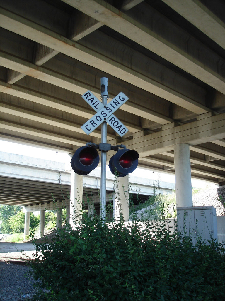 Passage à niveau / Railroad crossing - Elisabethtown. Kentucky. USA. 25 juin 2010