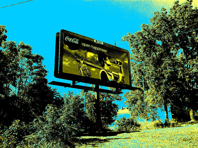 CBS - Coca-Cola / Open happiness - Elisabethtown, Kentucky. USA - 25 juin 2010 - Sepia postérisé avec ciel bleu phofiltré