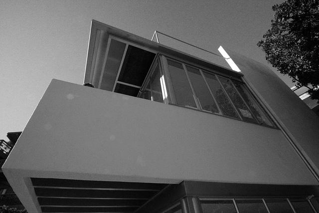 Kun House 10-10-10 (7957A)