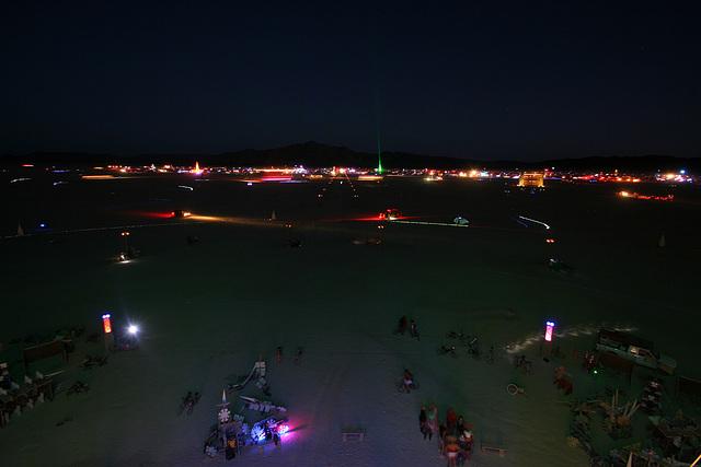 Night View Along 6 O'Click (7572)
