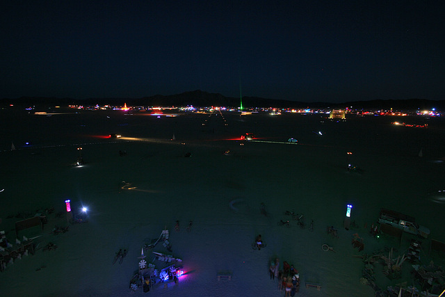 Night View Along 6 O'Clock (7571)