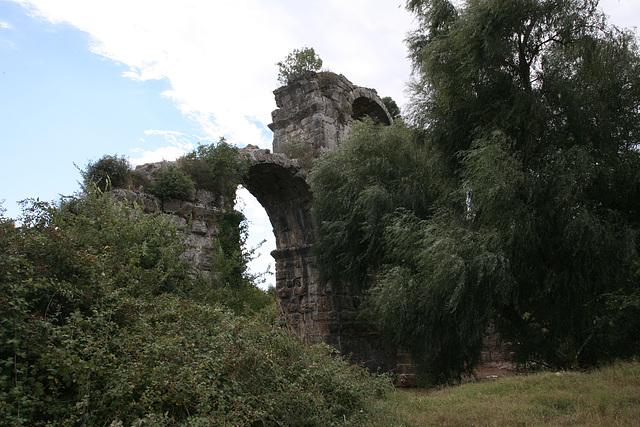 Roman Aqueduct - Turkey 2010