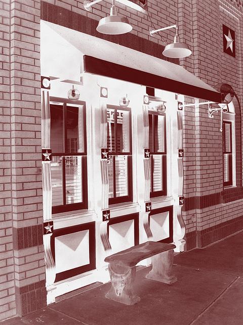 Black eyed pea restaurant / Hillsboro, Texas. USA - 28 juin 2010- Vintage en négatif RVB