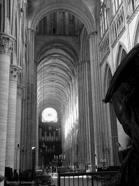 Cathédrale de Rouen, le nef vue du chœur